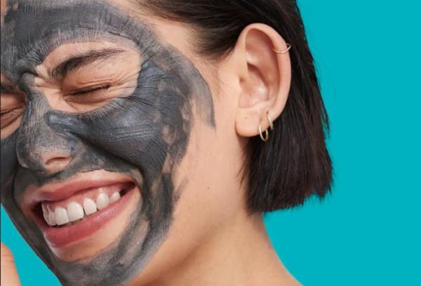 Com'è cambiato il beauty con la pandemia: è boom di maschere fai da te
