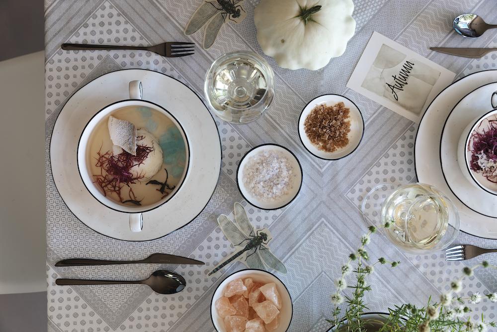 Ricette autunno, branzino al te con alghe e riso pilaf